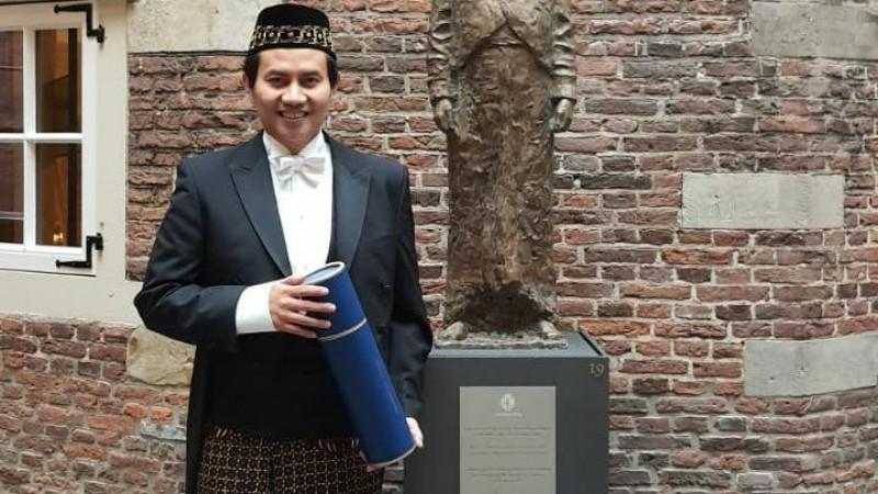 Fachrizal Afandi berhasil mempertahankan disertasinya di Universitas Leiden, Belanda